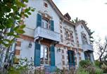 Hôtel Saint-Hilaire-de-Court - L'Oustal-1