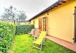 Location vacances  Province de Pesaro et Urbino - Roncaglia Villa Sleeps 6 Pool Air Con Wifi-2