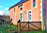 Location vacances Neuvy-sur-Barangeon - Quaint Holiday home in Morogues with Garden-1