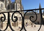 Location vacances  Burgos - Vivienda Turística Puerta Real-1