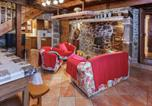 Location vacances  Cantal - Heritage Holiday Home in Auvergne with Terrace-2