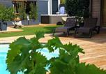 Location vacances Moussan - Suite l'inattendu avec Spa privatif et espace bien-être.-2