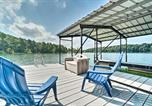 Location vacances Elberton - Sunny Lake Hartwell Home with Private Boat Ramp-1