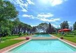Location vacances Palaia - Palaia Villa Sleeps 22 Pool Air Con Wifi-1