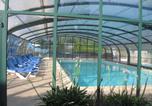 Camping avec Quartiers VIP / Premium Plounévez-Lochrist - Camping Paradis Les Capucines-4