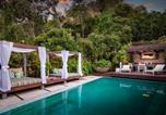 Location vacances  Grauman's Chinese Theater - Bali Inspired Hollywood Treasure w/Pool & Gardens-4