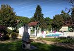 Camping avec Piscine Conflans-sur-Seine - Village de chalets Rû du Pré-1