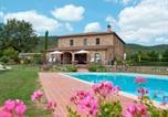 Location vacances Civitella in Val di Chiana - Oliveto Villa Sleeps 18 Pool Wifi-1