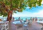 Hôtel Jamaïque - Travellers Beach Resort-3