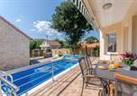 Location vacances Prgomet - Dalmatian village charm-1