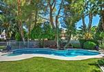 Location vacances Las Vegas - Las Vegas House w/Pool & Hot Tub - 1 Mile to Strip-1