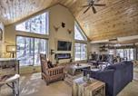 Location vacances Holbrook - Black Bear Lodge with Deck in Natl Forest!-4