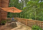 Location vacances Elberton - Artists A-Frame Cabin with New Interior and Deck!-2