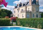 Location vacances  Maine-et-Loire - Nice home in Jarzé w/ Wifi, Outdoor swimming pool and 3 Bedrooms-1