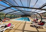 Camping avec Piscine couverte / chauffée Poitou-Charentes - Camping Les Pins - Camping Paradis-1