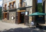 Location vacances Vilallonga de Ter - Hostal Can Serra-1
