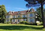 Hôtel Tourliac - Château Le Tour - Chambres d'Hôtes-1