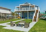 Location vacances Webster - Large-Group Beach Retreat on Galveston Bay!-2