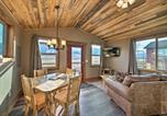 Location vacances Livingston - Romantic Mountain Getaway - 1 Hour to Yellowstone!-2
