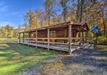 Location vacances Bridgeport - Anchors Away Cabin Hideaway with Fire Pit!-2