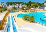 Camping avec Parc aquatique / toboggans Aquitaine - Village vacances Lacanau-1