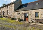 Location vacances Saint-Servais - Graceful Holiday Home in Chapelle Neuve with Swimming Pool-1