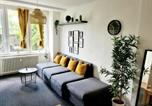 Location vacances Hamburg - Spacious Apartment for 10 in great location-2