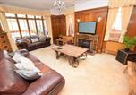 Location vacances Southend-on-Sea - 5 Bedroom Beach Front Property-3