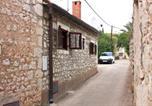 Location vacances Milna - Apartments by the sea Milna, Brac - 5242-2