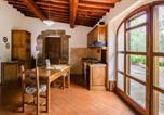 Location vacances  Province d'Arezzo - Agri-tourism Le Capanne Castiglion Fiorentino - Ito07100d-Dyb-3