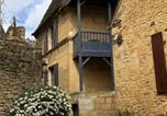 Location vacances Sarlat-la-Canéda - In Sarlat Luxury Rentals, Medieval Center - Maison Balcon des Remparts-1