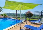 Location vacances Hostalric - Macanet de la Selva Villa Sleeps 12 Pool-3