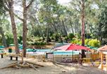 Camping avec Site nature Montfrin - Huttopia Fontvieille-3