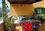 Location vacances Mogán - House with 2 bedrooms in Mogan with wonderful mountain view furnished garden and Wifi 4 km from the beach-1