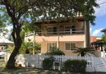 Location vacances Lauro de Freitas - Casa 4 Quartos em Stella Maris 200 metros da praia-1