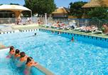 Camping avec Piscine couverte / chauffée Pradons - Camping Le Petit Bois - Camping French Time-1