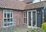 Hôtel Dickleburgh and Rushall - The Old Post Office Cottage-2