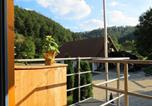 Location vacances Bad Zwesten - Charming Apartment in Huddingen with Private Terrace-3