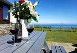 Location vacances Aberporth - Byre Cottages & Lakeside caravan-1