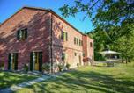 Location vacances  Province de Forlì-Césène - Sprawling Villa with Breathtaking Views in Emilia-Romagna-2