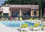 Location vacances Moissac-Bellevue - Holiday home Regusse 33 with Outdoor Swimmingpool-4