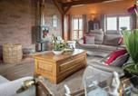 Location vacances Havelange - Cozy Chalet in Septon with Sauna and Jacuzzi-3