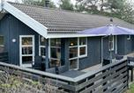Location vacances Torup Strand - Three-Bedroom Holiday home in Fjerritslev 15-1
