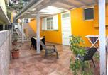 Location vacances  Terre-de-Haut (Petite Anse) - Holiday home Rue Du Gouverneur Houel-1