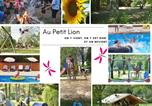 Camping avec Piscine couverte / chauffée Parcoul - Camping Le Petit Lion des Tourbières-1