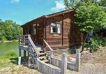 Villages vacances Pineville - Forest Lake Camping Resort Lakefront Cabin 8-1