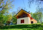 Location vacances Krapinsko-Zagorska - Cozy Holiday Home in Sveti Kriz with Private Garden-1