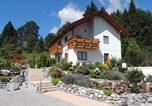 Location vacances Hopferau - Ferienwohnung-am-Rosengarten-1