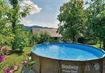 Location vacances Krapinsko-Zagorska - Two-Bedroom Holiday Home in Kumrovec-2