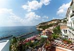 Location vacances  Ville métropolitaine de Naples - Holiday home Via Villazzano-1